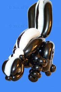 balloon Artist - balloon skunk